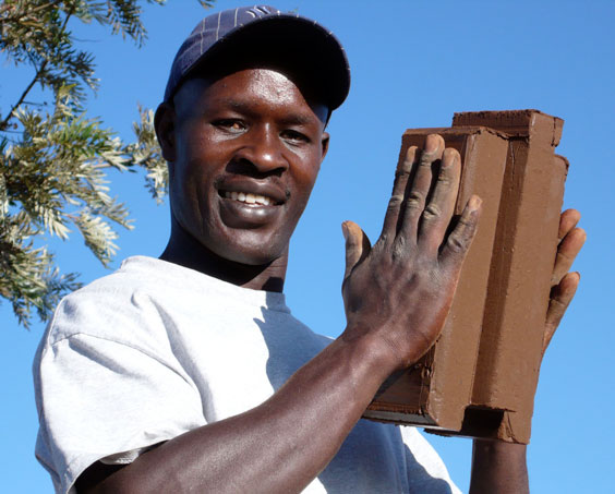 photo_brickmaking1